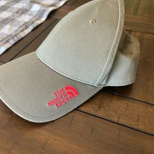 Northface adjustable hat